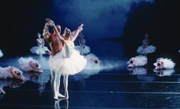 La série Opéra sur OCS avec Raphael Personnaz