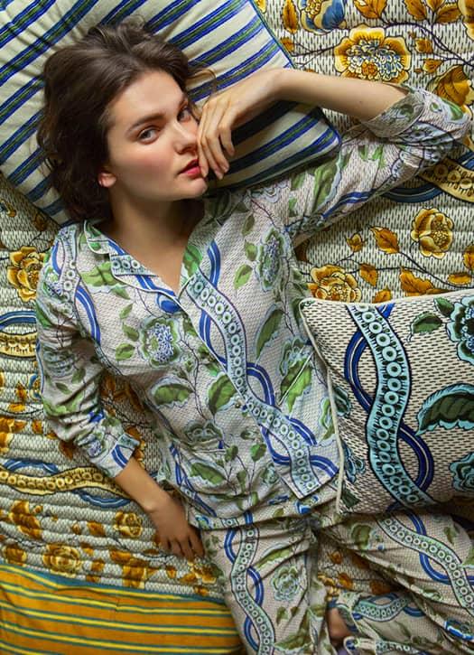 Pyjama bleu à fleurs, Antoinette Poisson x Monoprix