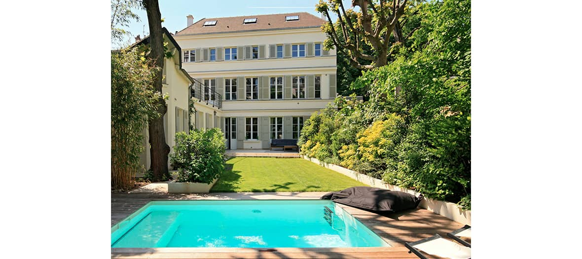 Rent a house with pool with Collectionnist