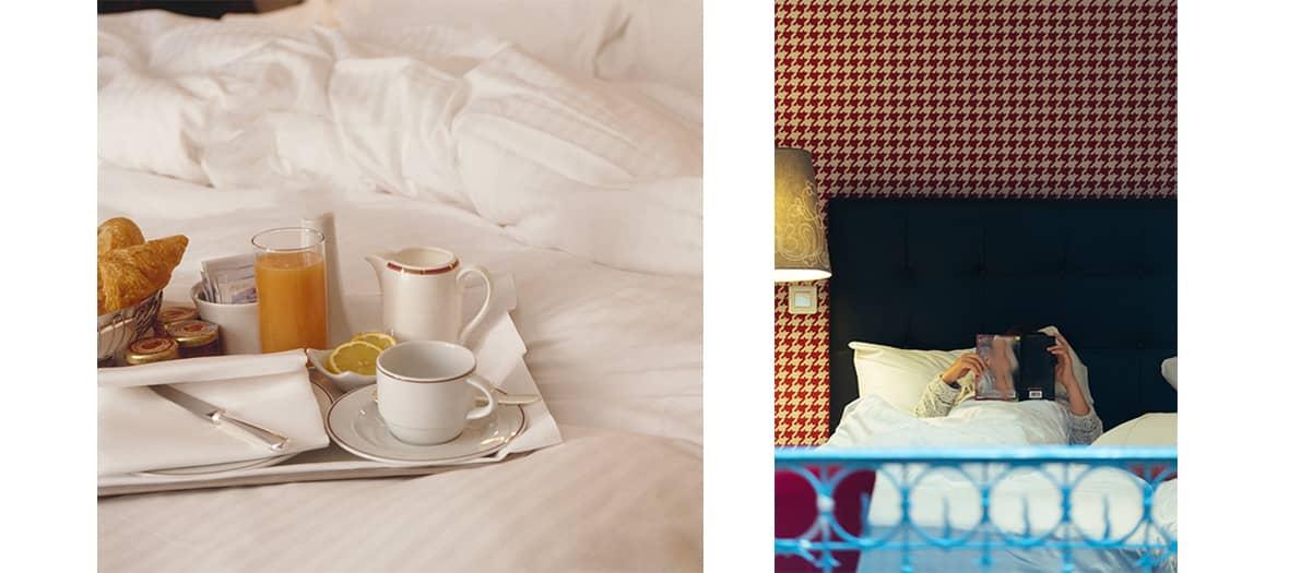La room service avec blinis, caviar, une bouteille de vodka Guillotine et des cadeaux Playtex
