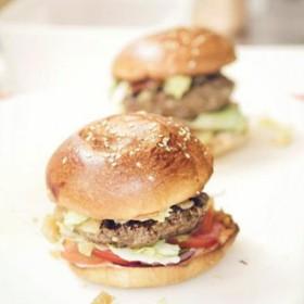 Burger cantine california