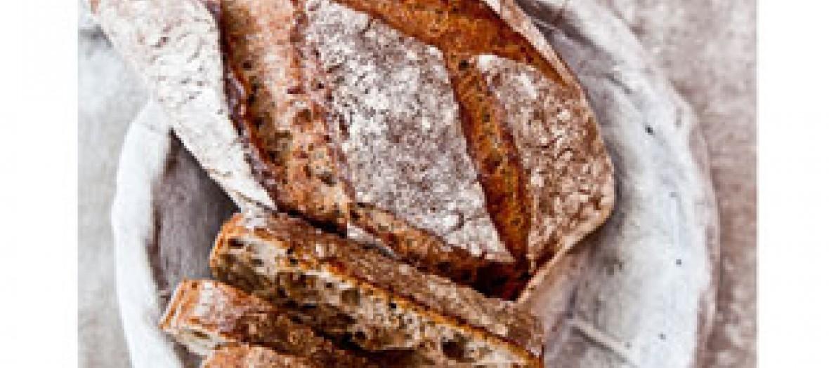 pain au sarrasin et graines de lin torréfiées